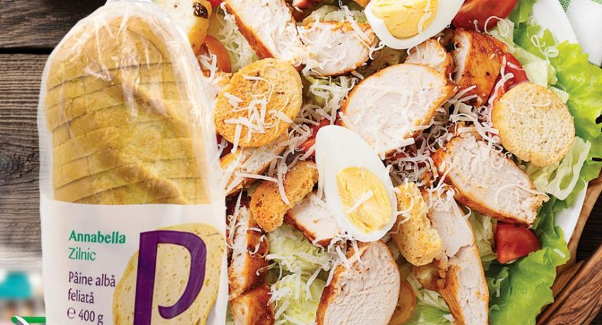 Salată-cu-ouă-și-piept-de-pui